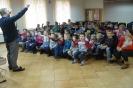 czlowiek orkiestra w bibliotece_27