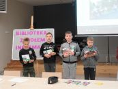 Biblioteka źródełm informacji- lekcja biblioteczna w filii w Czernicach