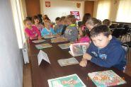 Pasowanie uczniow klas pierwszych na czytelnikow 2015_13