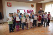 Pasowanie uczniow klas pierwszych na czytelnikow 2015_23