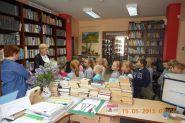Pasowanie uczniow klas pierwszych na czytelnikow 2015_8