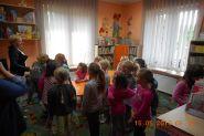 Pasowanie uczniow klas pierwszych na czytelnikow 2015_9