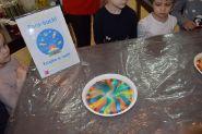 Poznajemy świat kolorów i kolorowych eksperymentów